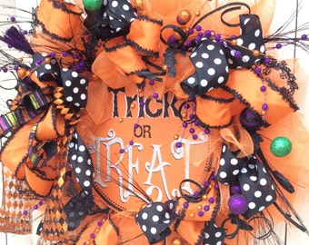 Trick or Treat wreath, Big Halloween wreath, Extra Large Halloween Wreath, Whimsical Halloween wreath, Mesh Halloween Wreath