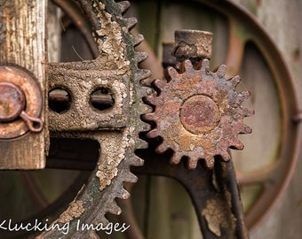 Old Gears Photo, Rusty Old Gears Photo, Old Machine Gears Photo