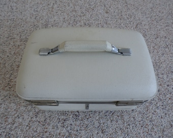 Vintage American Tourister Train Case Luggage Suit Case Make Up Case