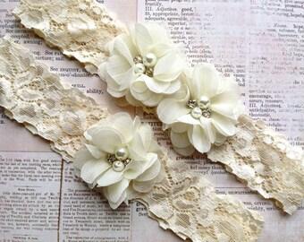 Wedding Garter Set, Lace Wedding Garter, Ivory Wedding Garter, Wedding Garter, Ivory Bridal Garter, Ivory Garter Set, Rustic Wedding Garter