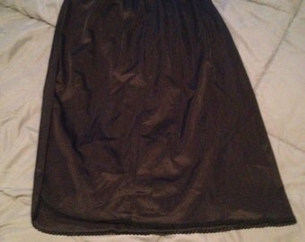 Women's vintage black slip size Large
