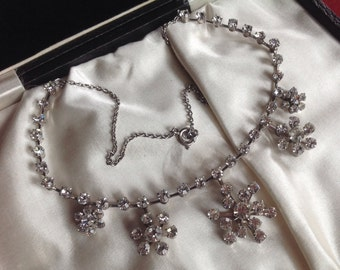 Diamante Vintage necklace - in fabulous condition