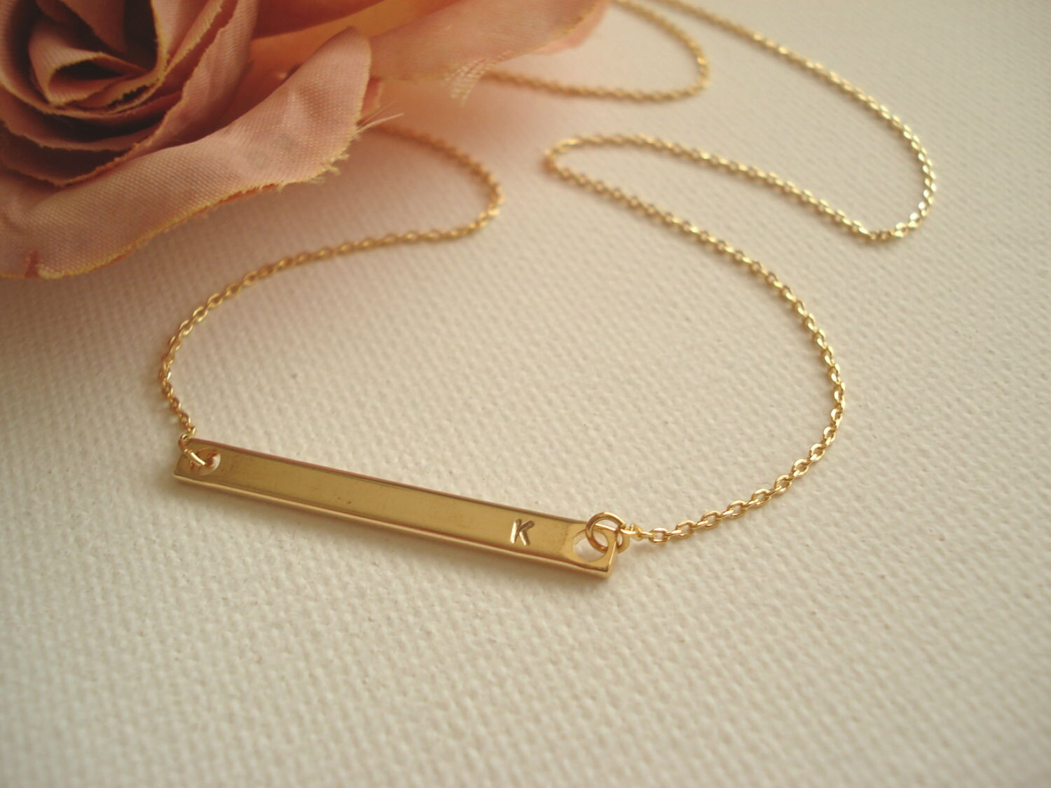 gold bar initial necklace celebrity inspired personalized. Black Bedroom Furniture Sets. Home Design Ideas