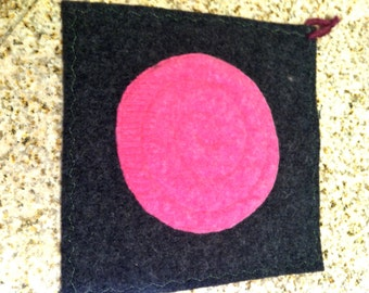Upcycled Charcoal Gray Felted Wool Potholder Hot Pad Trivet with Pink Felted Circle, Eco-Friendly, Hostess gift