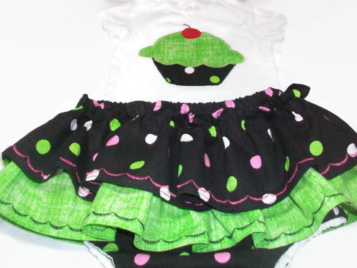 Baby Girl Clothes Cupcake Baby Girl Outfit by PeaPodLilFrogs