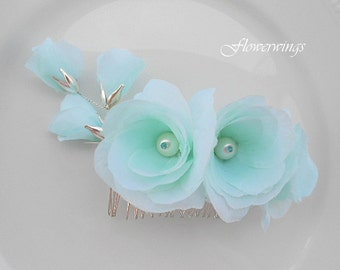 Catherine-Handmade bridal flowers comb.Seafoam flowers wedding headpiece.Beach wedding.Mint flowers comb.