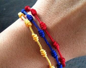 Colombian bracelet. Colombia colors bracelet. String bracelet. Rosary bracelet. 3 in 1bracelet. Soccer. Knotted bracelet.
