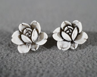 vintage rose bud post style earrings with white finish   M10
