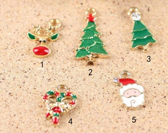 10 pcs of antique gold christmas  charm pendants