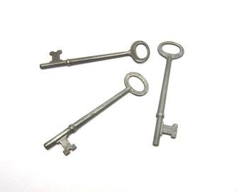 Trio of Skeleton Keys Pendants Charms Jewelry Vintage Keys