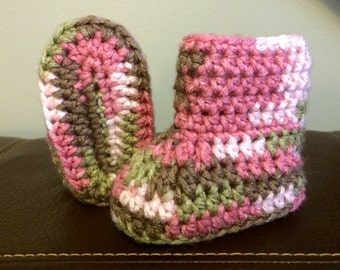Pink Camouflage Crochet Booties. Size 2.