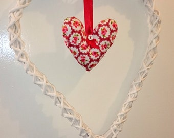 Large shabby chic hanging heart decoration 15.5 x 12.5 white and red valentines uk seller