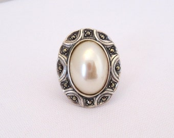 Vintage Sterling Silver Faux Pearl & Marcasite Ladies Ring Size 9