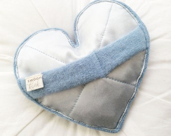 Romantic Massager, Cashmere/Silk,Heart-Pale Blue