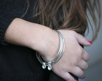 Minimalist silver Bangle bracelet, bangle silver stacking bracelet set, thin silver stacking bangle, gift for her