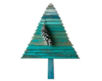 Dorna 3 Christmas Tree / reclaim wood / 5% sustaining MORE GREEN foundation