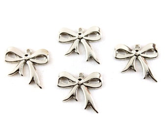 5x Silver Plated Bow Charm - M109