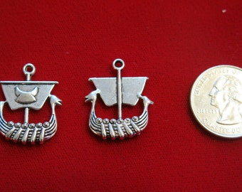 """BULK! 15pc """"pirate ship"""" charms in antique silver style (BC571B)"""