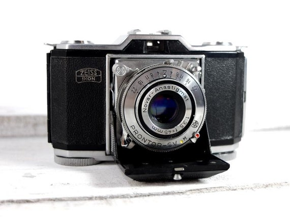 Zeiss Ikon Contina 35  (Ikonta 35) - Vintage Camera - 35mm camera - Zeiss Ikon 522/24