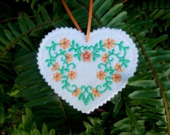 Heart Christmas ~ Valentine ~ Wreath Felt Ornament ~ Decoration Machine Embroidered Peach & Green Floral