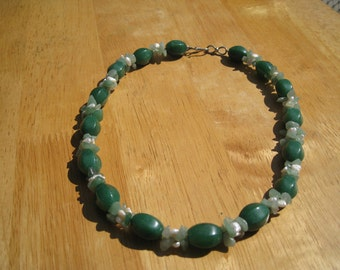 adventurine  and pearl necklace