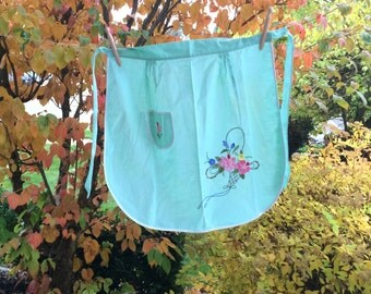 Vintage Mint Green Half Apron With Applique & Embroidery Flower Basket