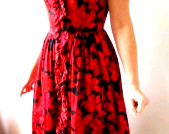 Vintage 1960s cotton dress with ruffles