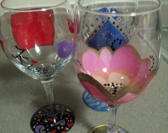 Custom Hand painted wine glass 10oz.