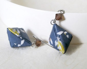 Origami Jewelry - Pyramid Paper Earrings - gift for her - Paper Jewelry - Origami Earrings - Geometric Earrings - WC01