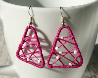 Leightweight earrings pink beads cotton