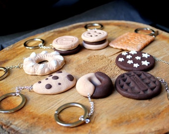 Key chain or necklace cookie various subjects in fimo