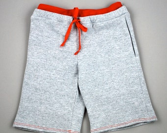 Organic cotton shorts with elastic waist, drawstring and side pockets for Toddlers and Children