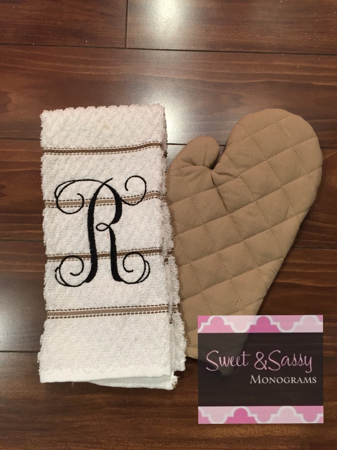 Monogrammed Kitchen Towel And Oven Mitt Kitchen Towels