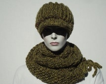 Green Newsboy Hat and Scarf, Hat and Scarf Set, Circle Scarf, Infinity Scarf, Crochet Hat, Hand Knit Hats,Warm  Scarf and Hat, Womens Hats