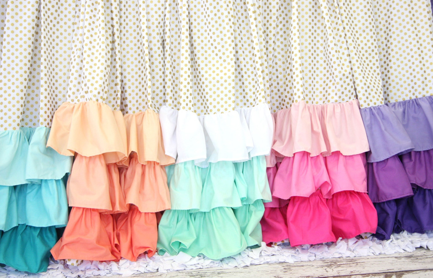 Ombre ruffle curtain -  Zoom