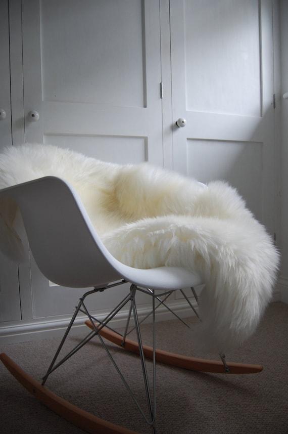 peau de mouton ivoire tapis poils longs confortable d cor. Black Bedroom Furniture Sets. Home Design Ideas