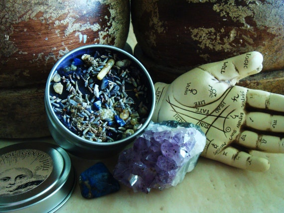 Lifting the Veil Divination Soy Candle infused with Amethyst and Lapis Lazuli