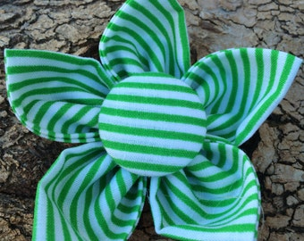 Flower Collar Attachment & Accessory for Dogs and Cats / CHRISTMAS Green Striped Flower