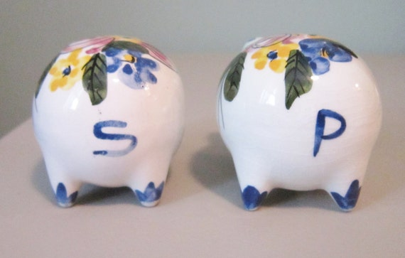 Piggy salt pepper shakers colorful handpainted ceramic Colorful salt and pepper shakers
