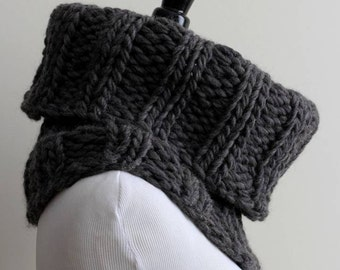 WOOL COWL, Knit cowl in soft wool, Tube scarf, Dark grey knitted cowl, 100% soft wool, snood, winter cowl, chunky knit cowl, soft and cozy