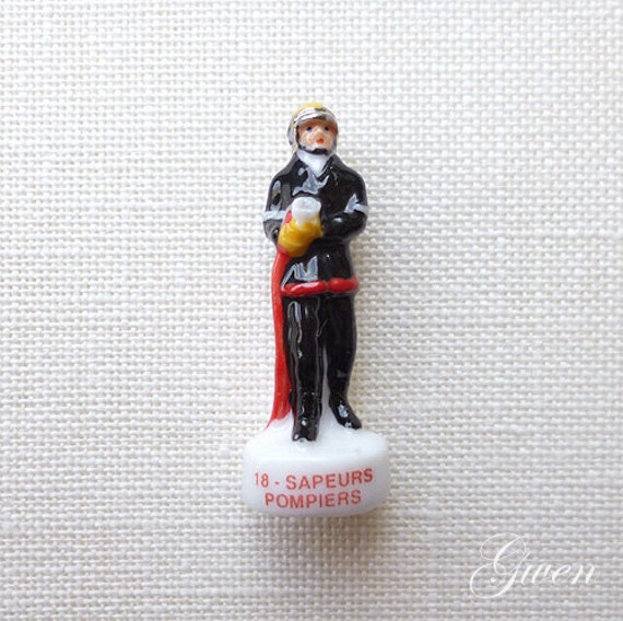 Dollhouse Miniatures In Las Vegas: Tiny 1.5 Fireman Holding Hose Figurine By MiniCollectible