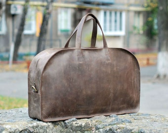 Genuine leather travel bag. B024 Model. 100% hand-made.