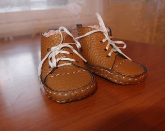 Pattern shoes for dolls or bears size 8 cm.