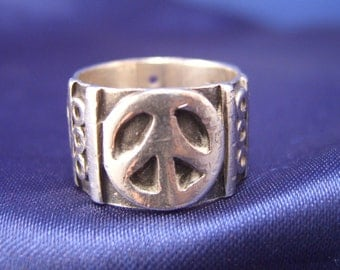 Peace ~ Mexican Sterling Silver Ring ~ Size 5.5 to  6