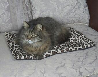"""Cat Napper Mat with 4x4"""" Catnip Pillow by Grampa's Garden"""
