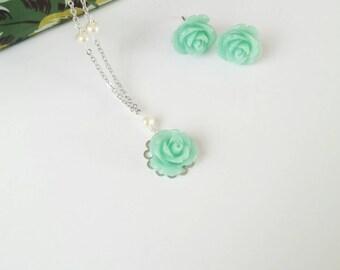 Bridesmaid necklace, mint rose necklace, fresh water pearl necklace, silver bridesmaid necklace, flower necklace, mint  bridesmaid jewelry