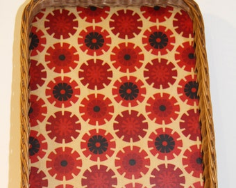 Rattan tray. Vintage with pattern Flower power