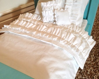 "18"" Doll / American Girl 5 pc Bedding Set. White ruffles"