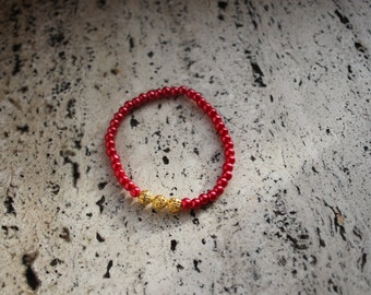 Bracelet available in two colours