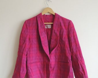 Sale - 15 dollars -Vintage PENDLETON 100% Virgin Wool Hot Pink checkered blazer with button, lining and pockets, size 10 Petite, made in USA